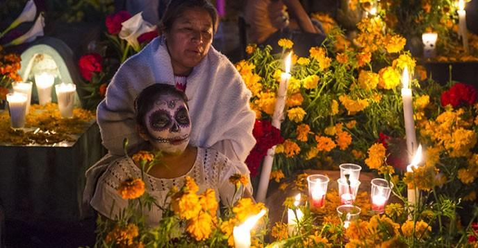 El retorno de lo querido celebración del día de muertos en méxico