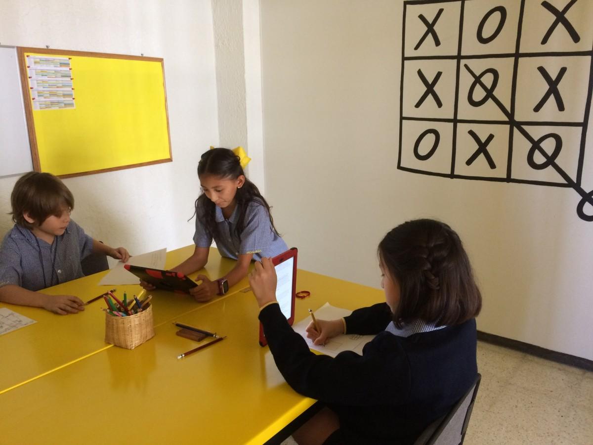 Monarca y la transformación de aulas y espacios